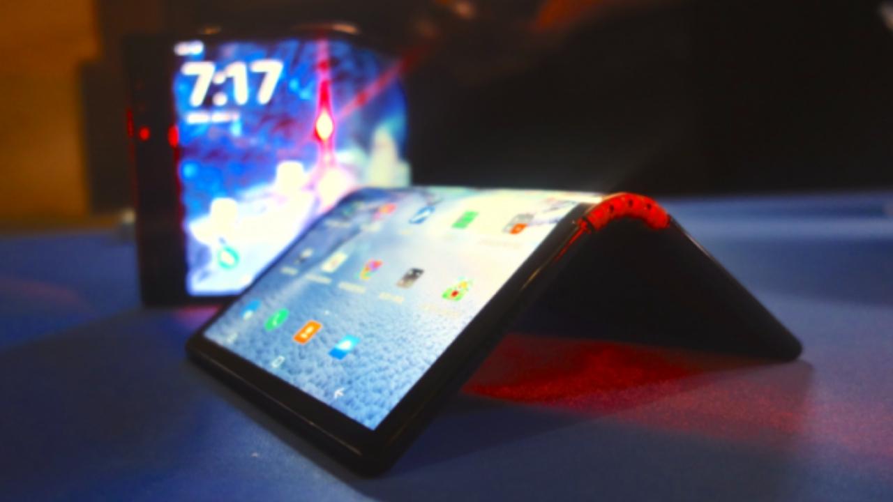 Samsung katlanabilir ekran örneklerini Apple'a gönderdi! - SDN3