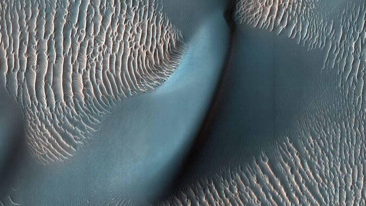 NASA yeni Mars fotoğrafları paylaştı