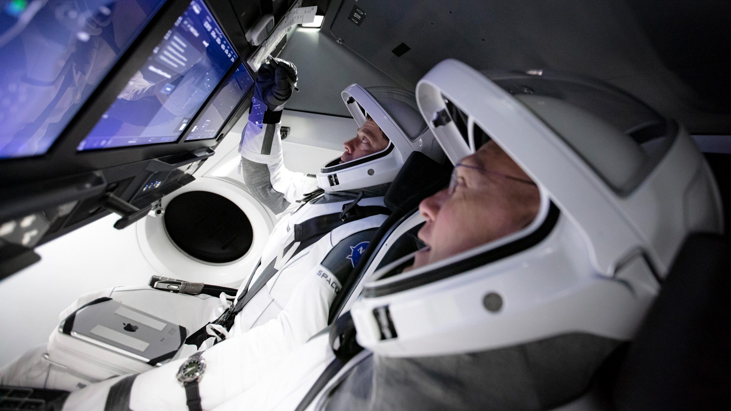 SpaceX- Crew Dragon-03