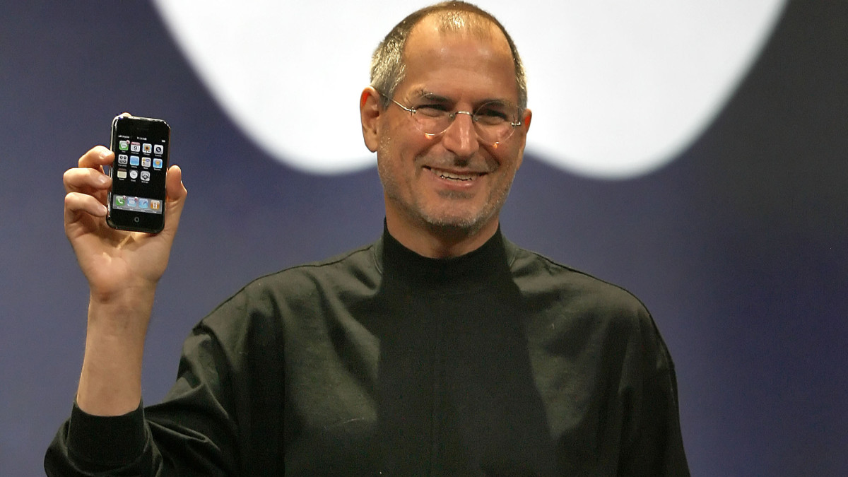 apple-45-year-old-world's-most valuable-company